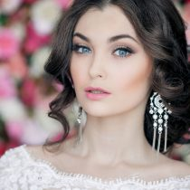 """Салон краси """"Орхідея"""" Весільна зачіска"""